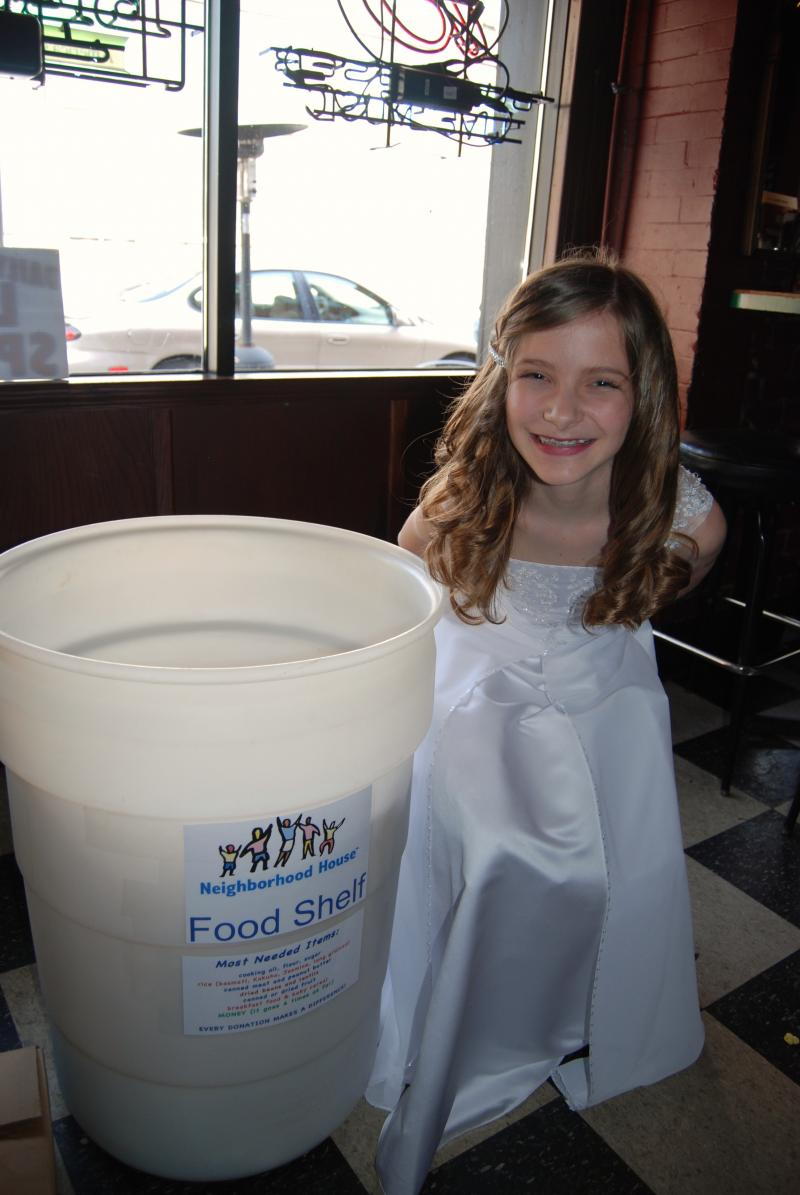 2010 Neighborhood House Food Drive